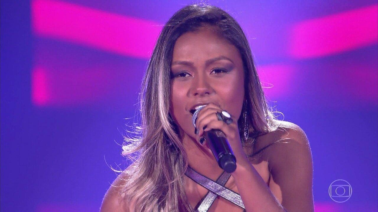 """Leticia Gonçalves canta """"Infiel"""""""