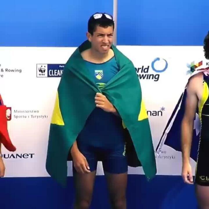 Uncas Tales Batista, do Botafogo, é bicampeão mundial sub-23 de remo na Polônia