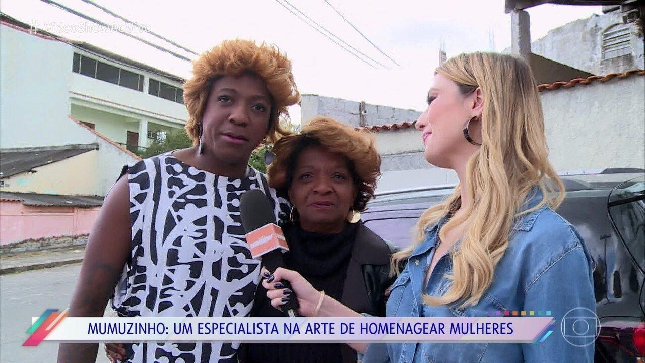 Mumuzinho homenageia a mãe e se veste de Dona Maria Madalena