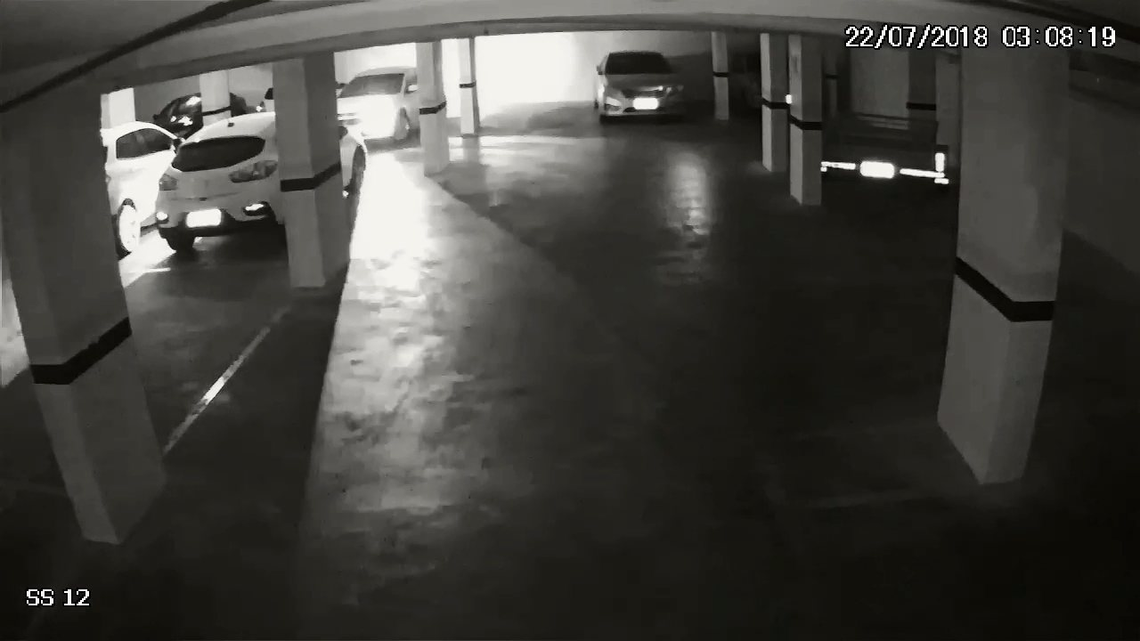 Luis Felipe sai pela garagem, segundo a polícia