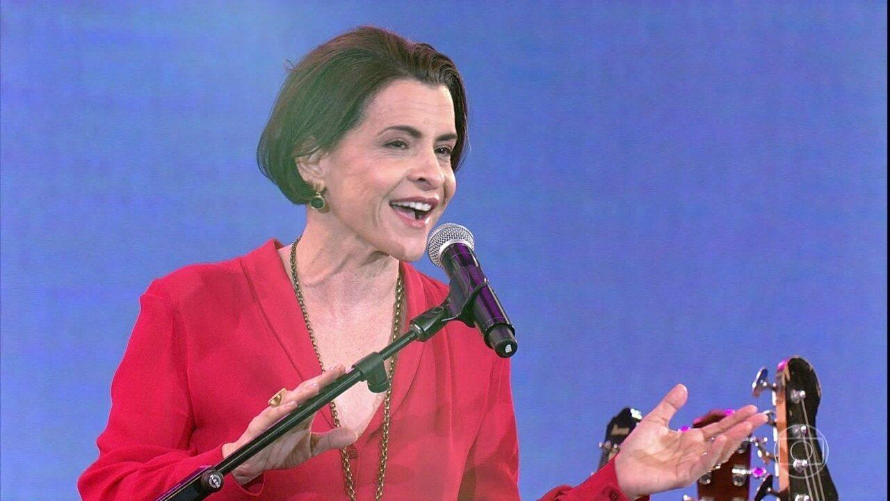 Marina Lima canta 'À Francesa'