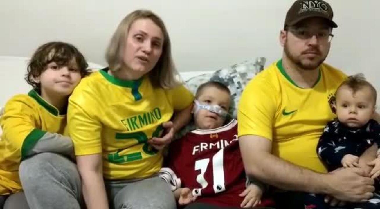 Firmino doa R$ 286 mil a gêmeos João e Miguel