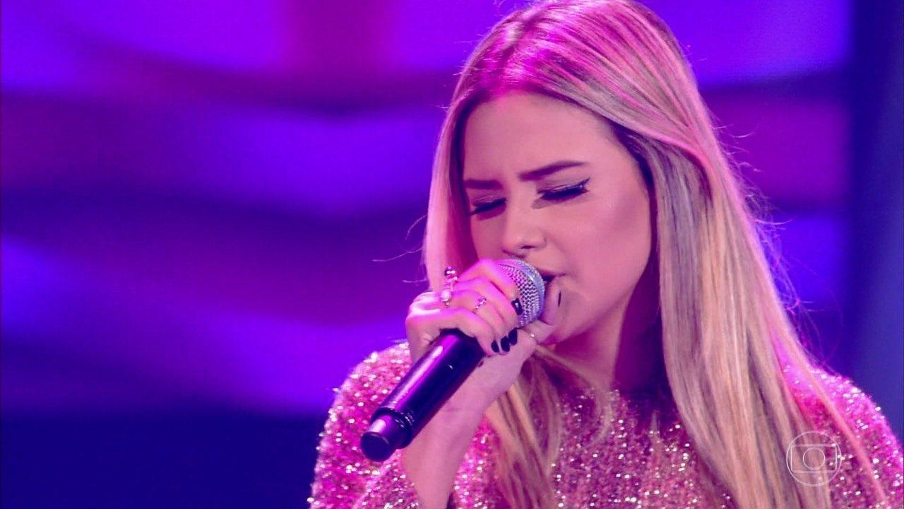 Rafaela Porto canta