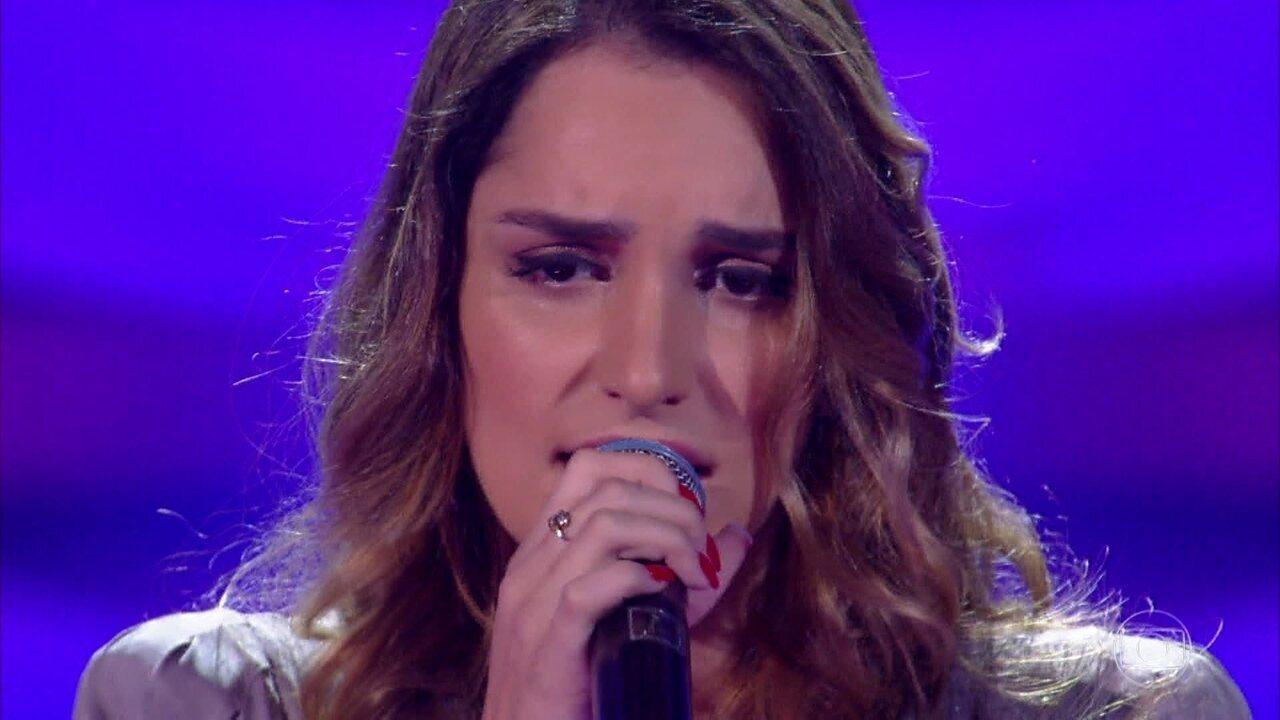 Lais Yasmin canta
