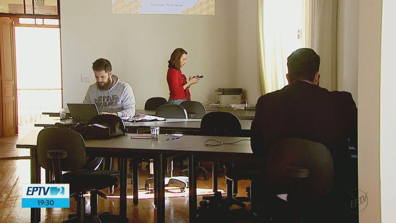 Profissionais de São Carlos investem em coworking para economizar no trabalho
