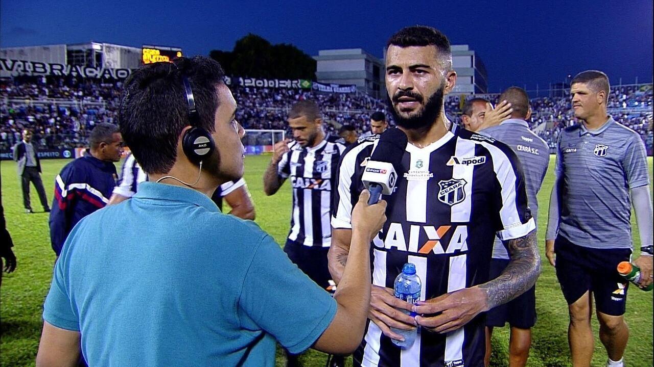 João Lucas reclama do tempo de preparação para partida: