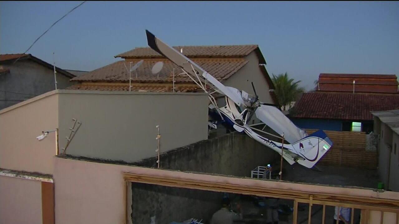 Avião cai sobre casa em Goiânia, mata criança e deixa dois feridos