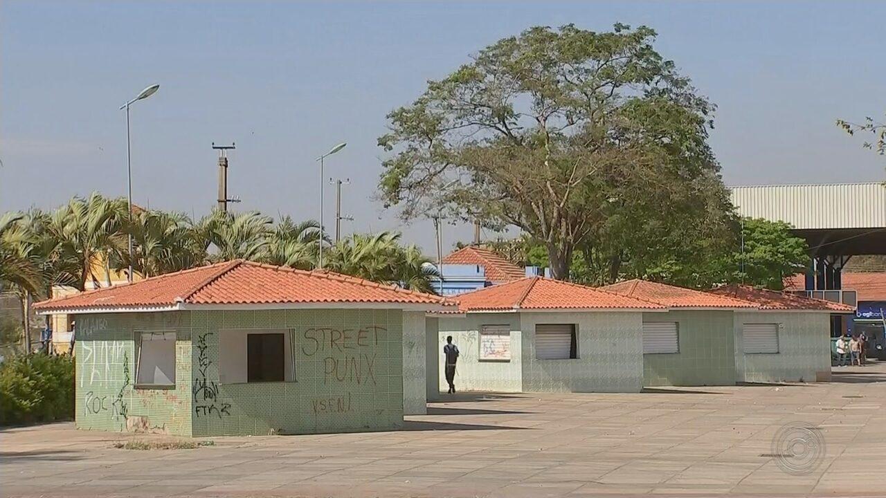 Moradores reclamam do abandono de praças e quiosques em bairro de Boituva