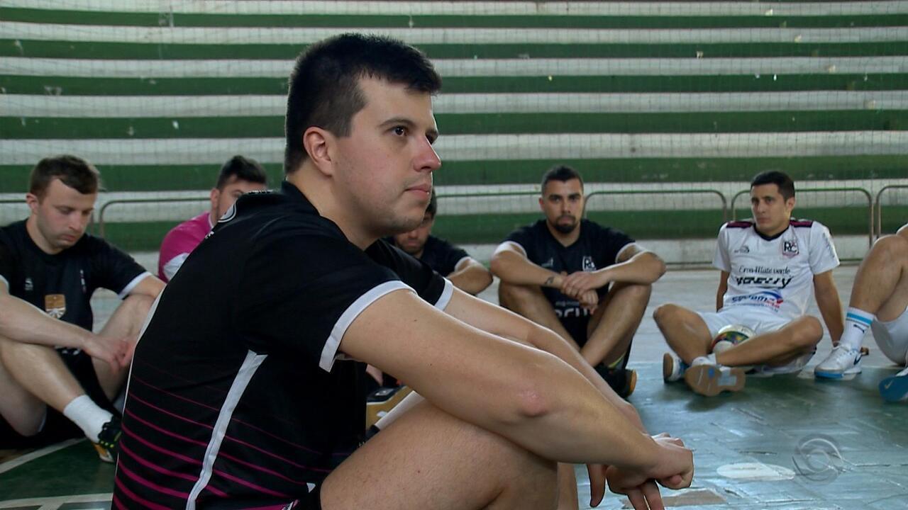 Time de futebol se reúne para promover campanhas solidárias em Santana do Livramento