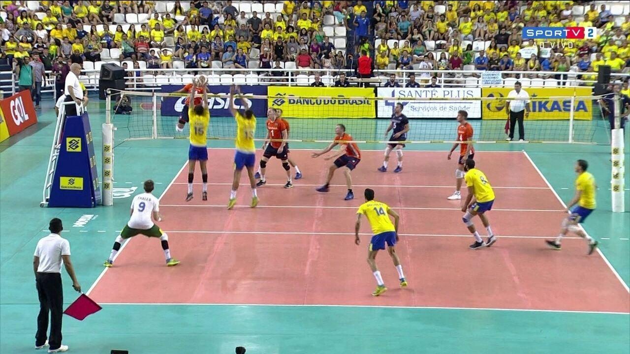 Michael Dantas Inovafoto CBV. Melhores momentos  Brasil 3 x 1 Holanda em  amistoso internacional de vôlei masculino e6aa96363a0b5