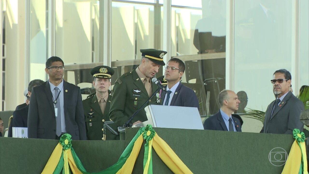 Comandante do Exército faz críticas aos governos locais do Rio de Janeiro
