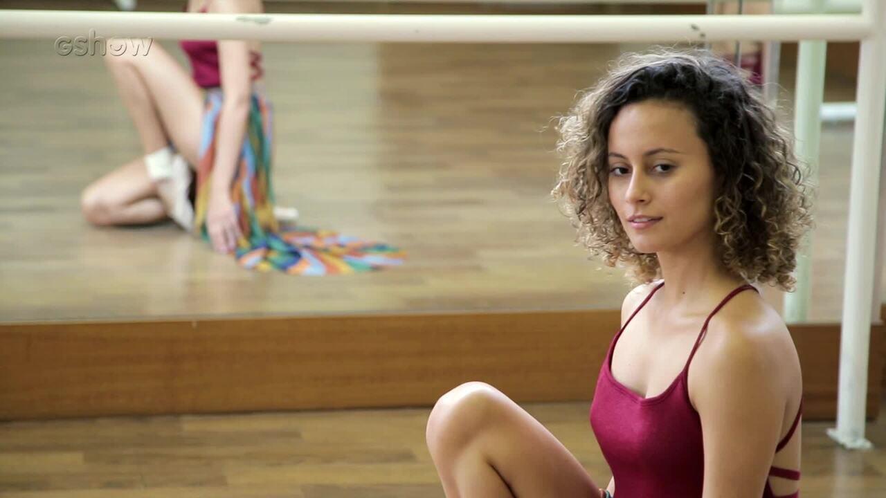 Alice Milagres relembra aulas de balé e fala sobre carreira de atriz