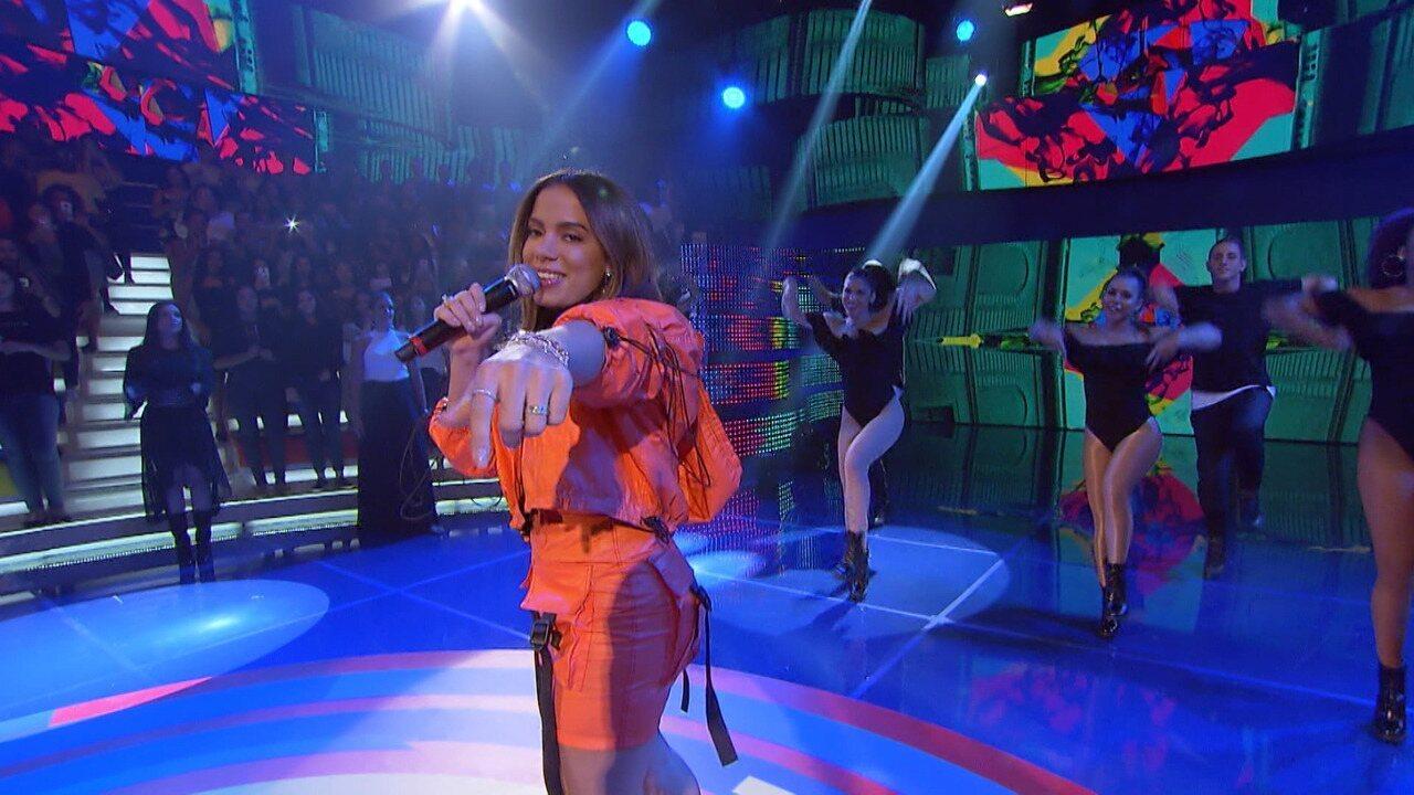 Anitta canta 'Medicina'