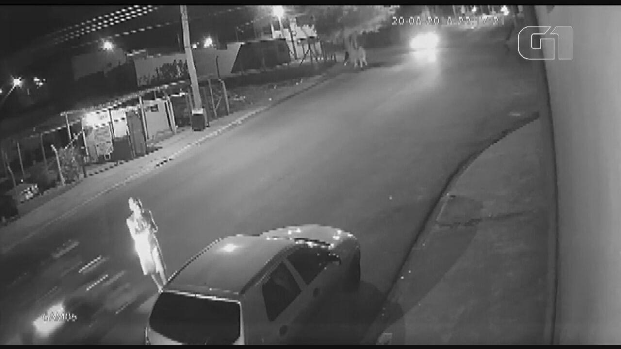 Homem é atropelado por moto no bairro Cidade Aracy em São Carlos, SP