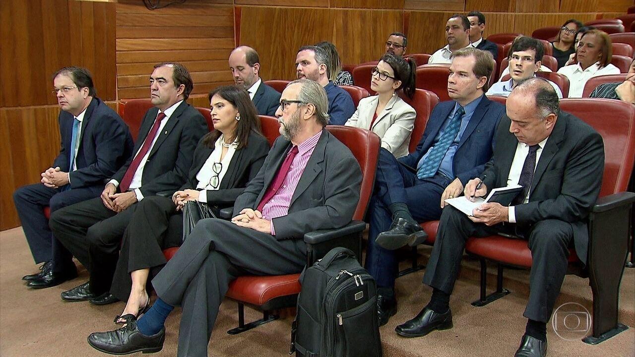 TRE-PE faz reunião com magistrados e partidos políticos para evitar confusões em eleições