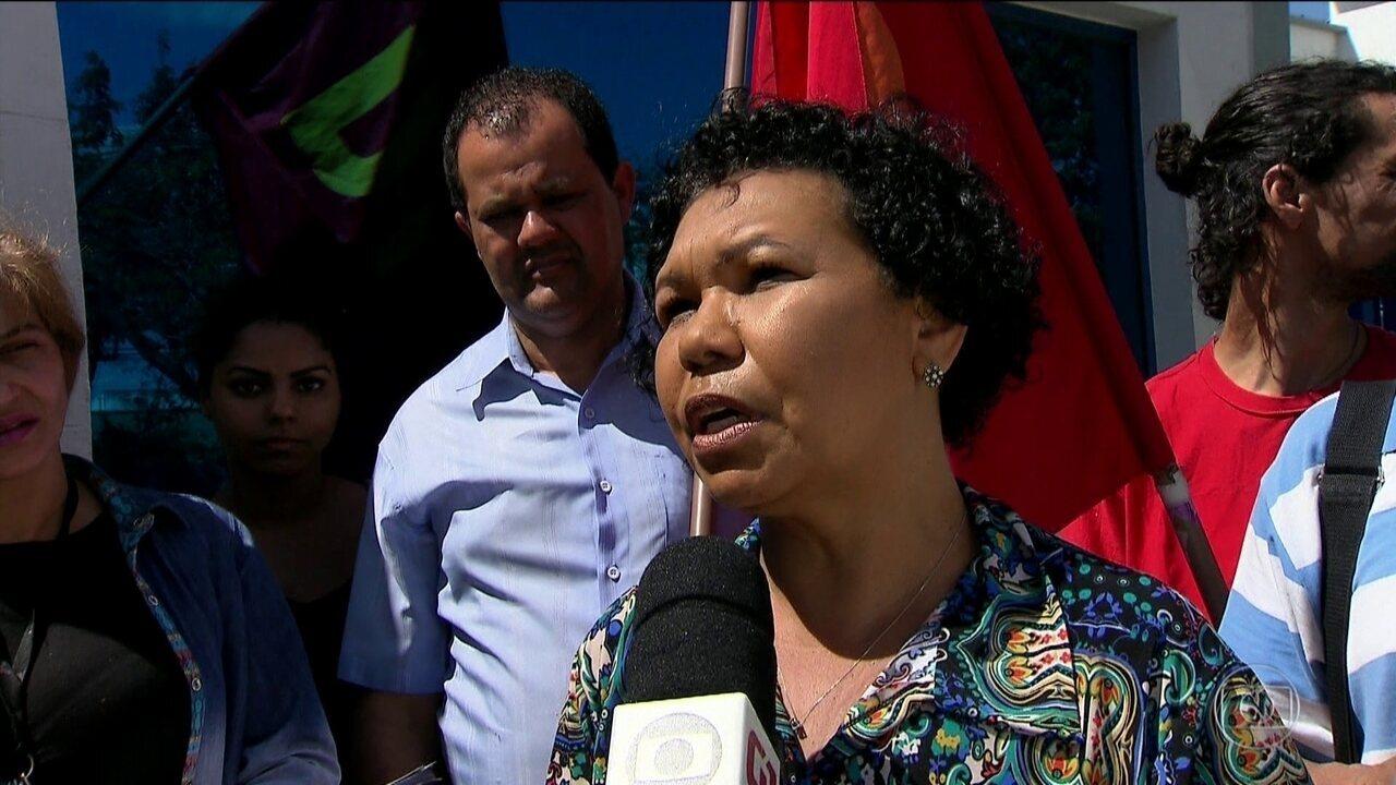 Vera Lúcia, do PSTU, tem atividade de campanha em São Paulo