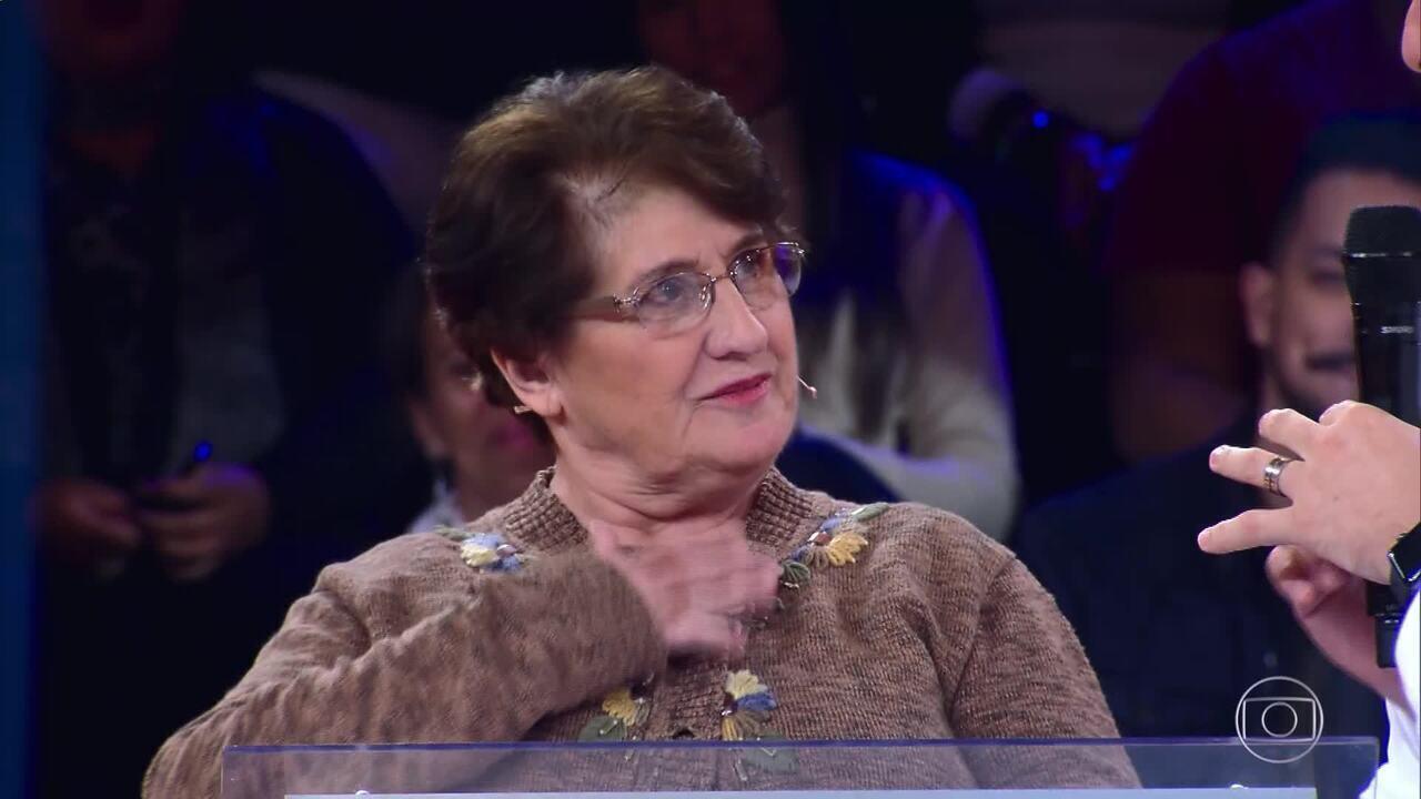 Dona Deolinda testa conhecimentos no 'Quem Quer Ser Um Milionário?'