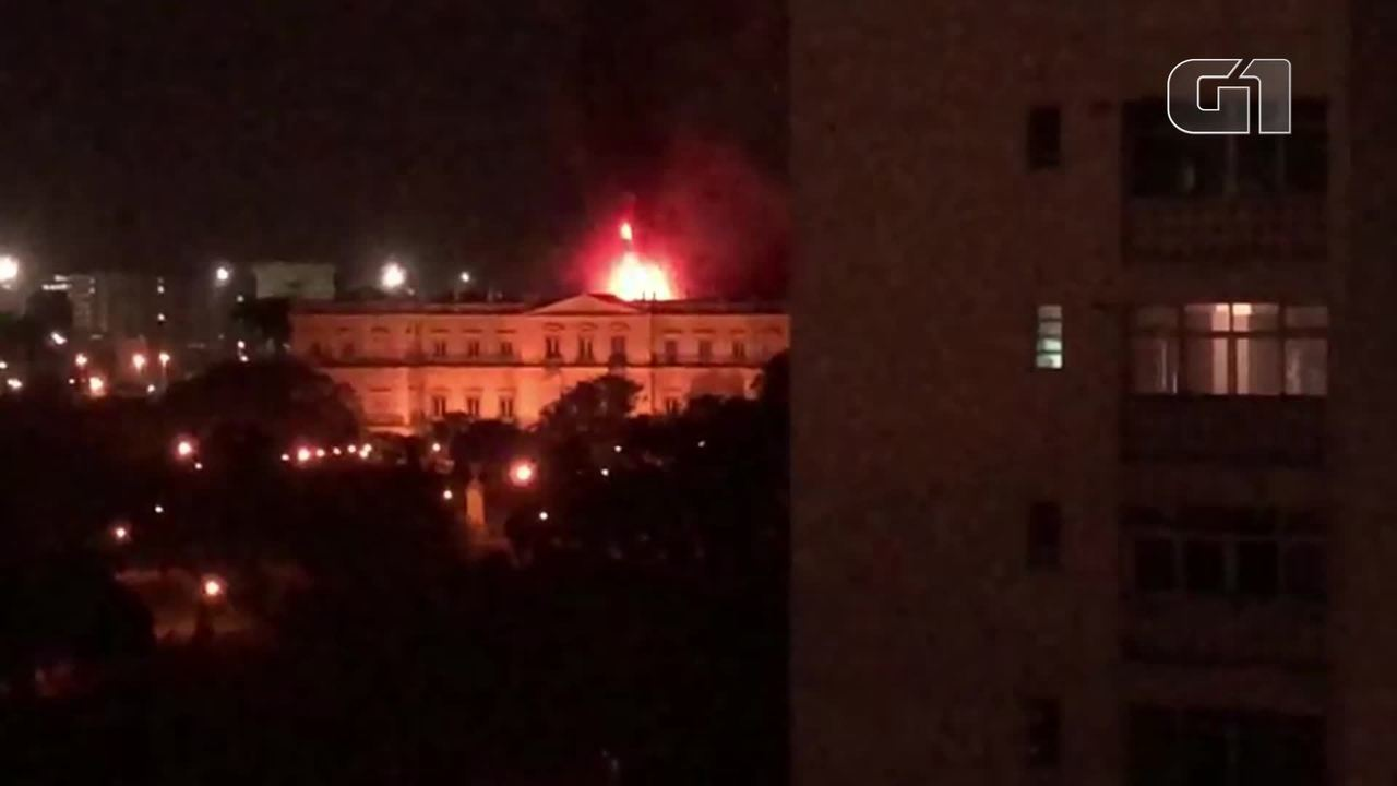 Incêndio atinge a Quinta da Boa Vista, Rio