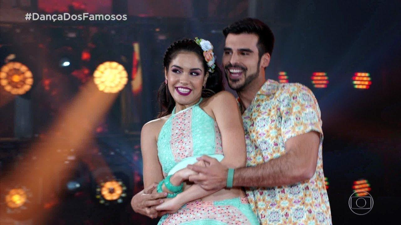 Anderson Tomazini e Juliana Acácio impressionam no forró