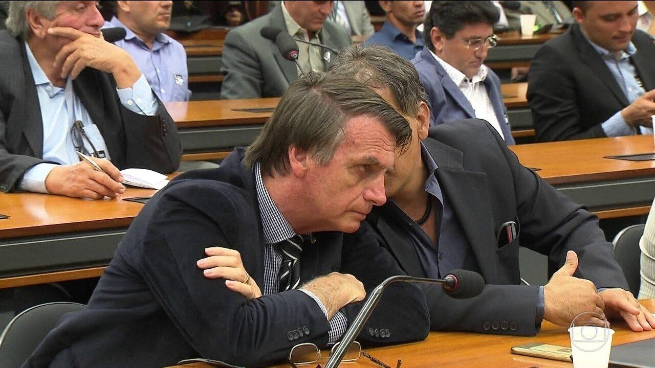 Candidato do PSL, Jair Bolsonaro, passa o dia em Brasília