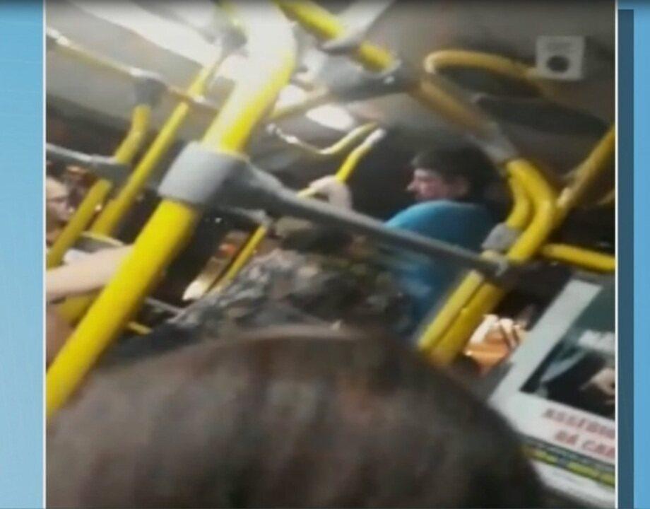 Vídeo mostra confusão entre motorista e travestis dentro de ônibus em MT