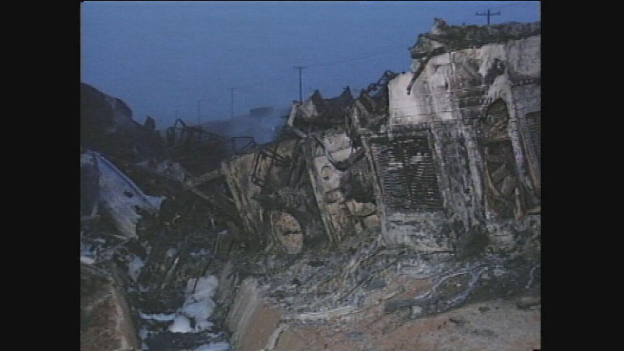 Acidente com dois ônibus de romeiros e caminhões deixa 53 mortos e 35 feridos em Araras