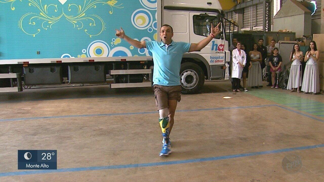 Hospital de Amor em Barretos passa a fabricar próteses para amputados após câncer