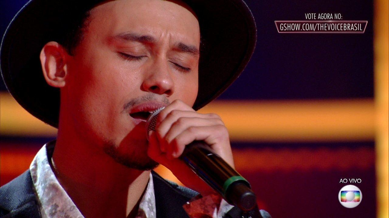 Kelvin Bruno canta