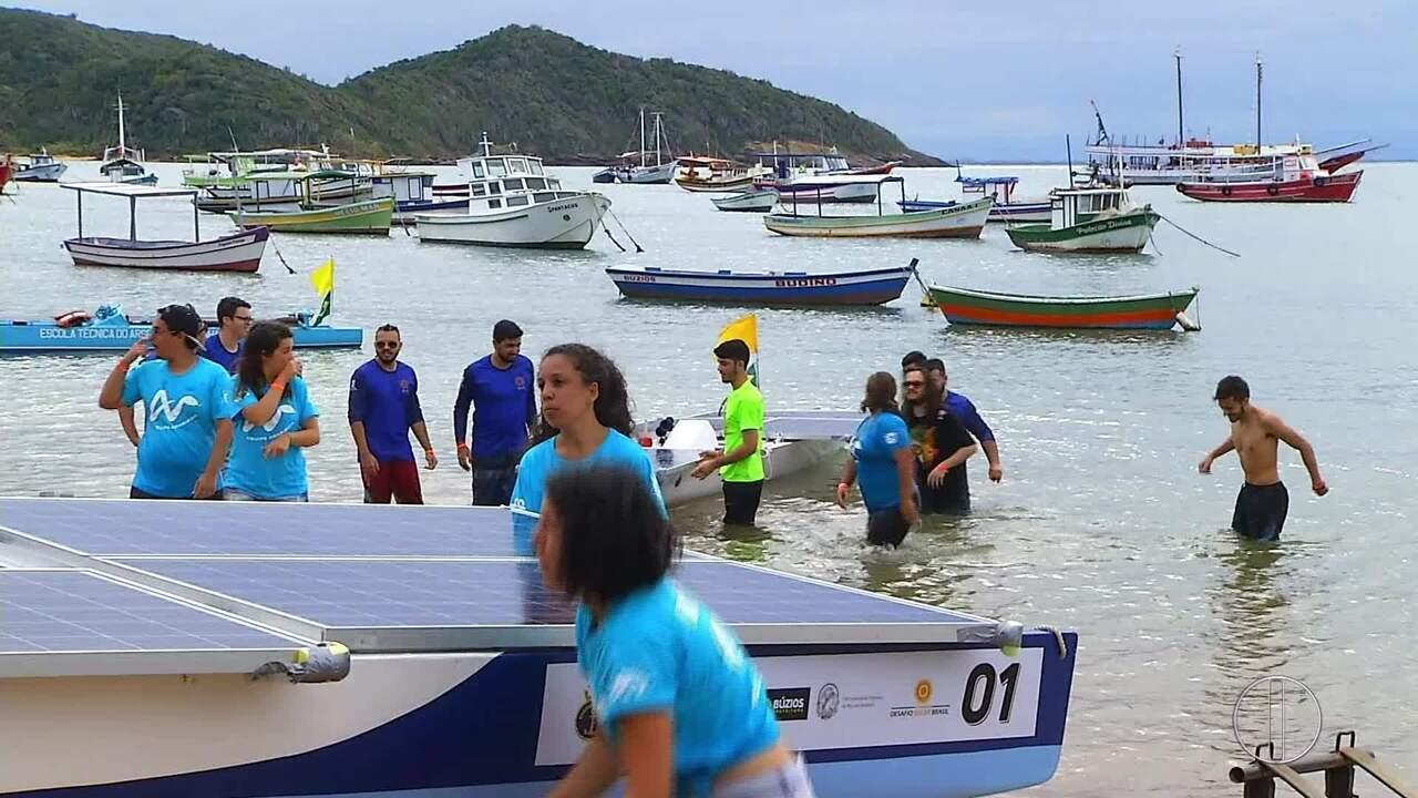 Competição de barcos movidos a energia solar é realizada em Búzios, no RJ