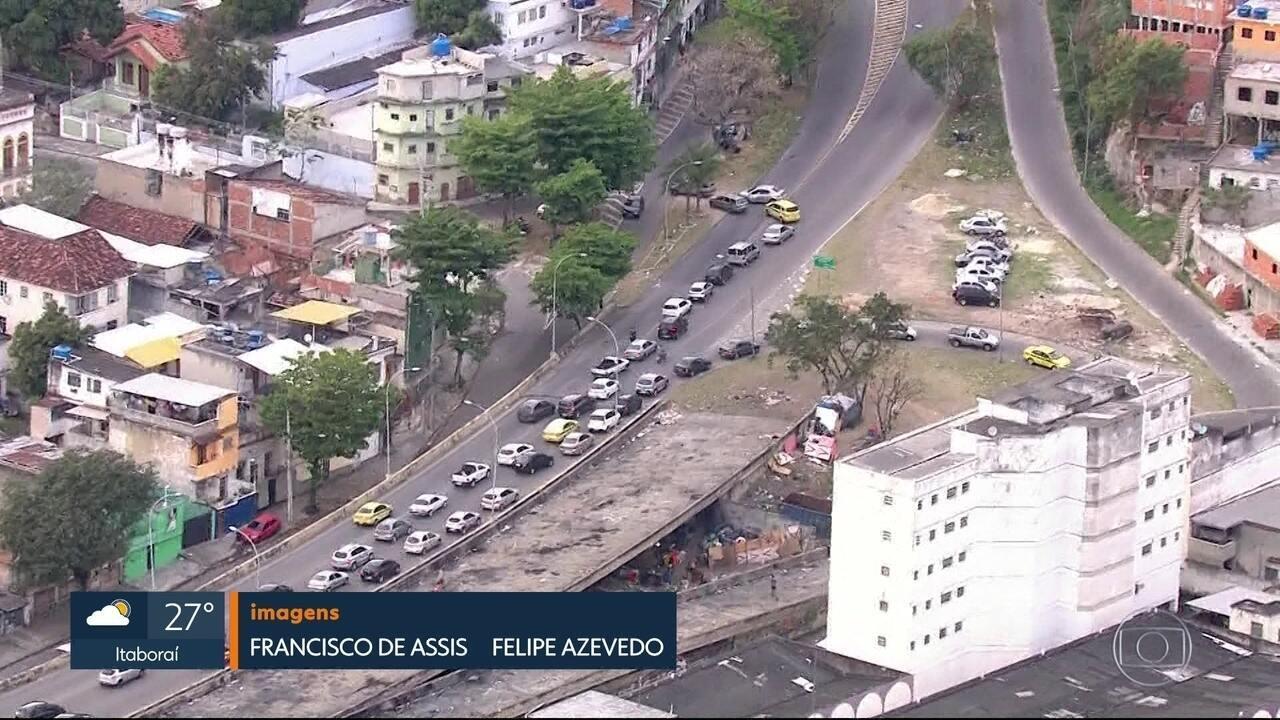 Túnel Noel Rosa é fechado durante operação policial no Morro dos Macacos