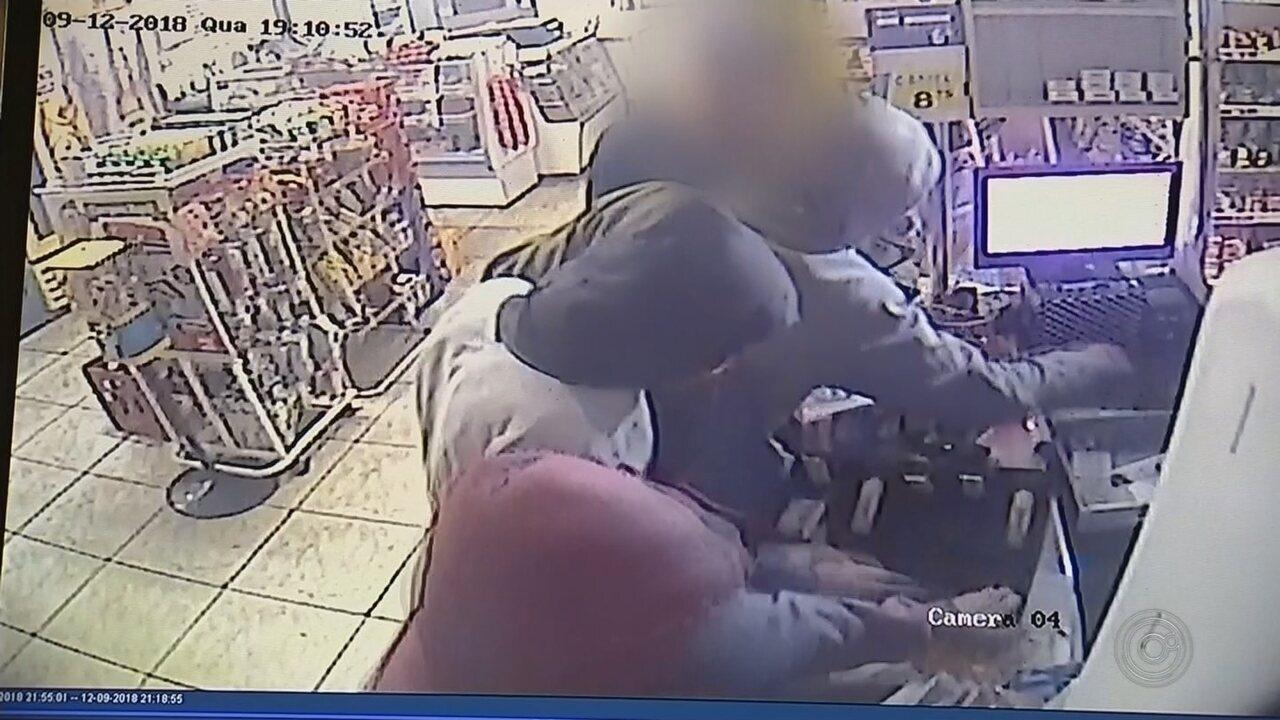 Câmeras de segurança registram assalto a mercado em Itapetininga