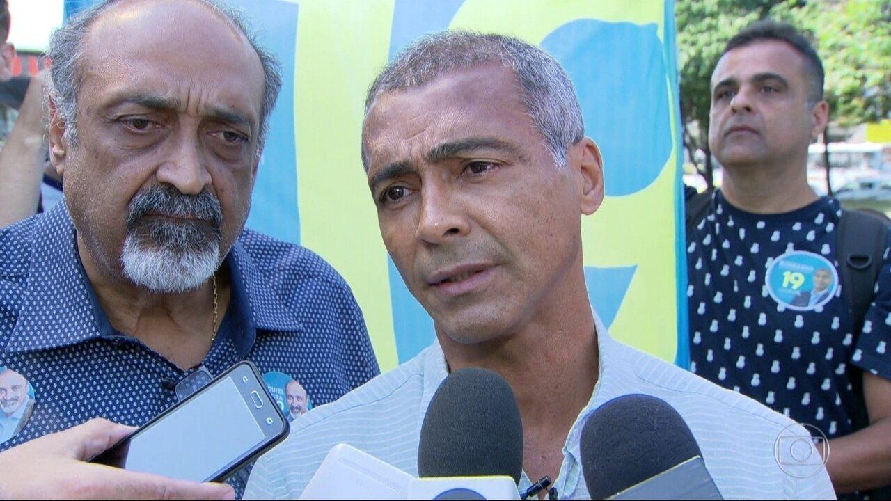 Romário faz campanha em São Cristóvão