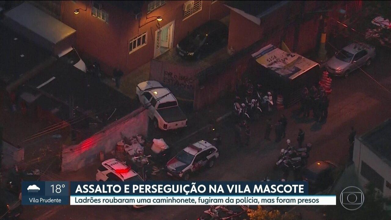 Ladrões roubam caminhonete na Vila Mascote, fogem da polícia, mas são presos