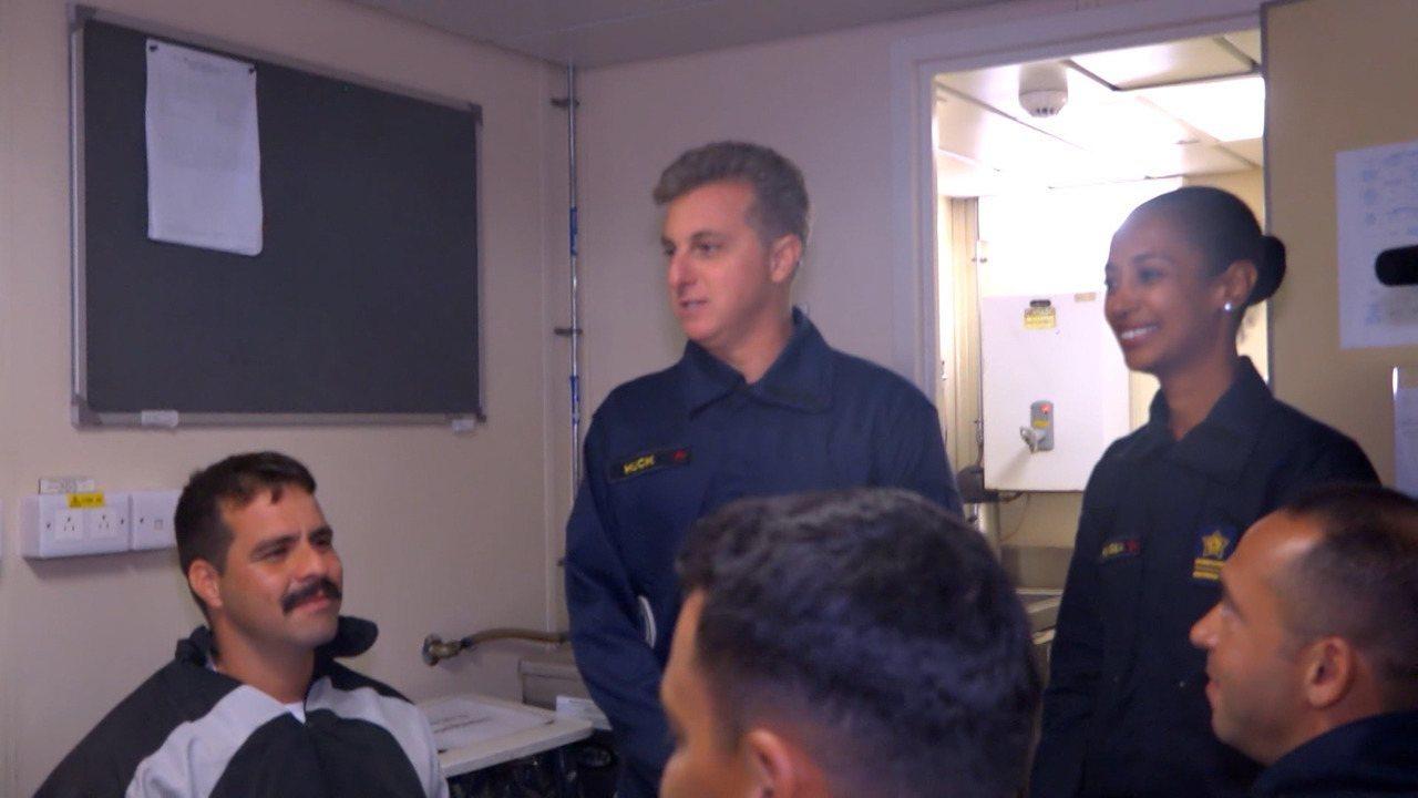 Luciano Huck vai conhecer a tripulação e o interior do navio