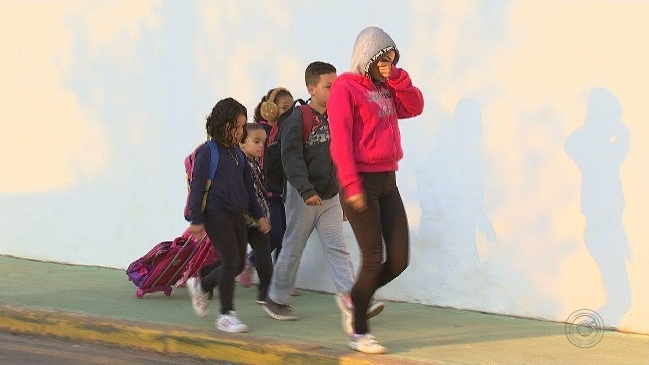 Alunos das escolas municipais de Jarinu estão sem receber uniformes há dois anos
