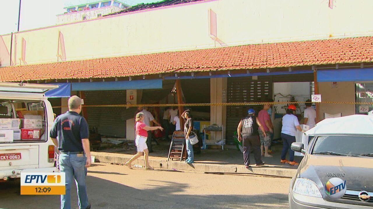 Comerciantes do Mercado Municipal de Rio Claro reclamam de falta de manutenção no prédio