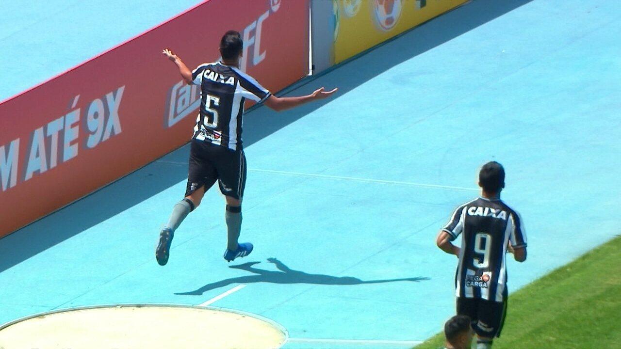 Gol do Botafogo! Rodrigo Lindoso faz finalização certeira de cabeça e abre placar com 23' do 1º tempo