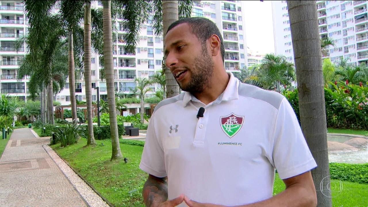 Rodolfo, goleiro do Fluminense, revela antiga dependência de drogas e álcool