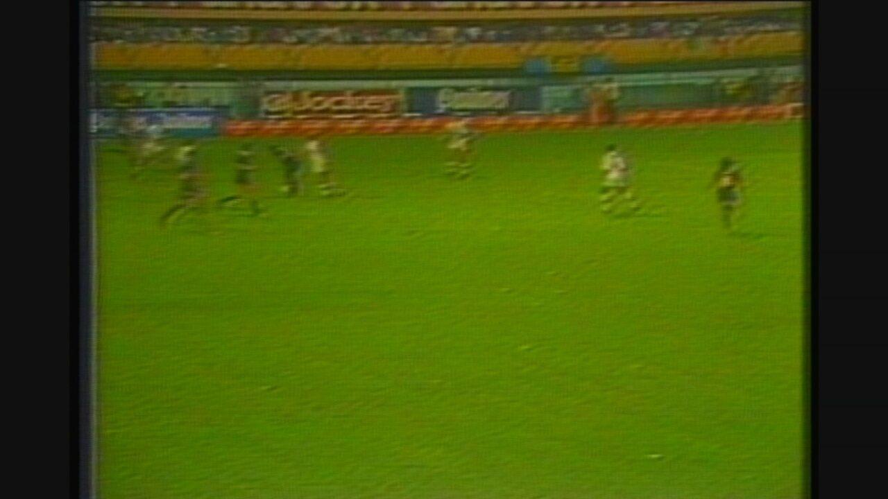 Roberto Gaúcho relembra vitória do Cruzeiro na Bombonera c123c8c05f793