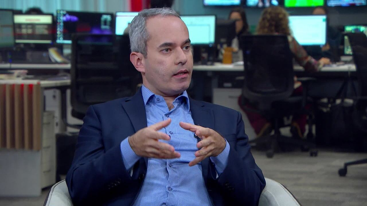 Economista fala sobre os reflexos da disputa comercial entre EUA e China no Brasil
