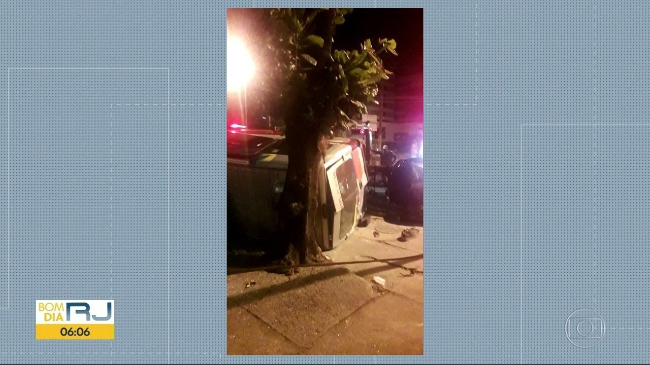 Grave acidente com van deixa um morto e cinco feridos em campo Grande