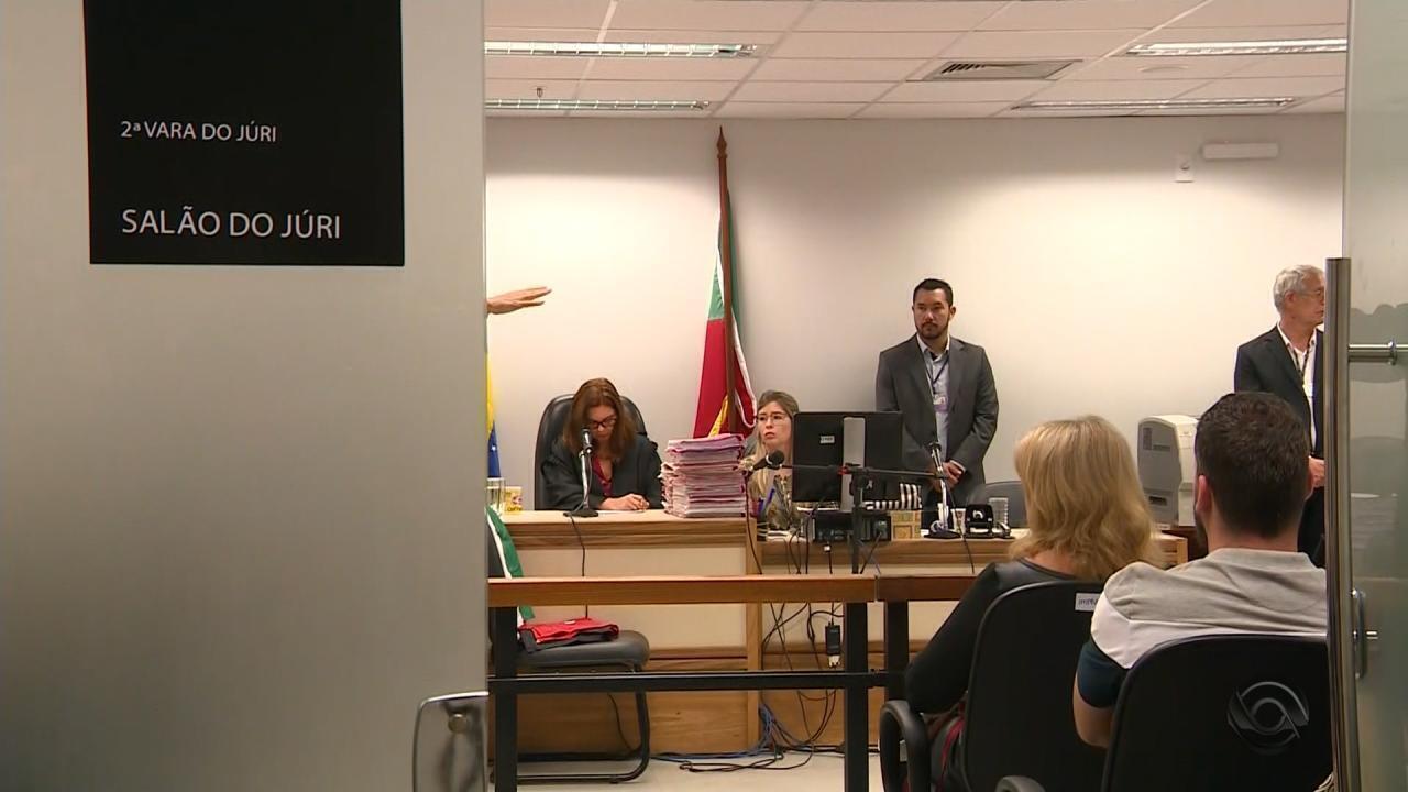 Júri de três acusados por ataques a jovens judeus em 2005 é retomado em Porto Alegre