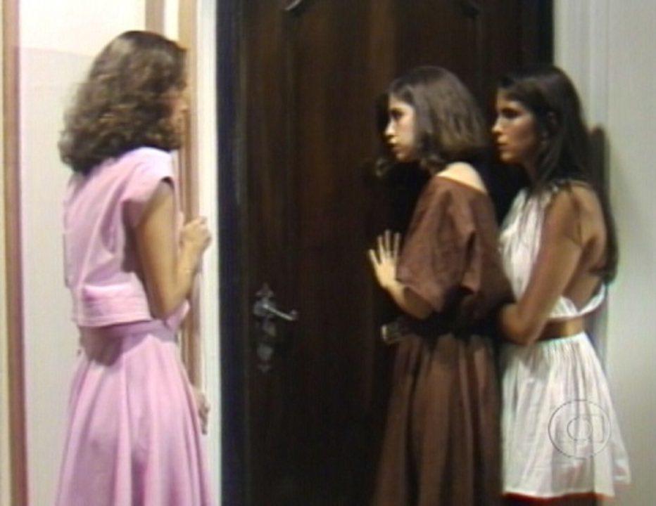 Eu Prometo: Darlene revela qual das três não é filha de Lucas