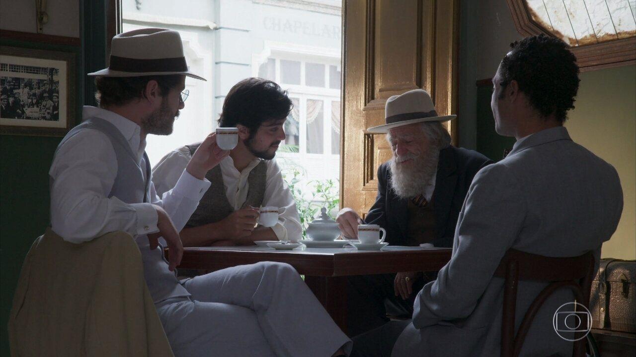 Camilo, Ernesto, Januário e o Barão vibram com o sucesso de seu café