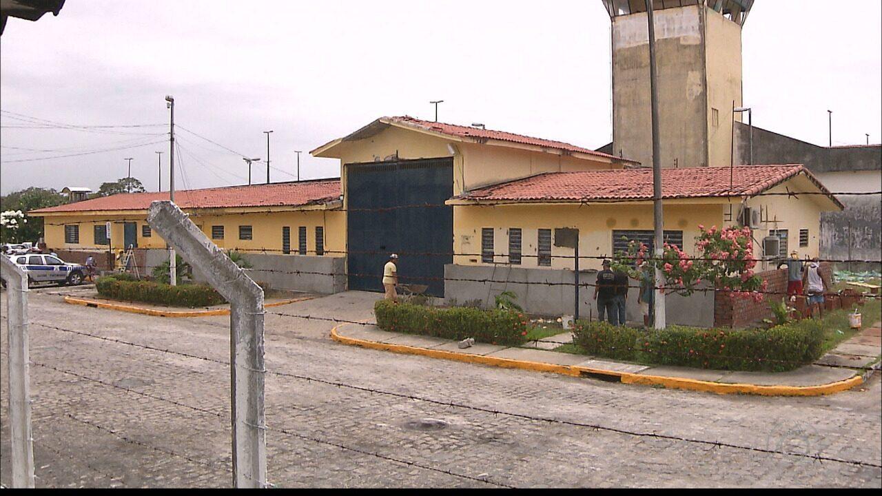Operação prende suspeitos de vender celulares para presos do PB1