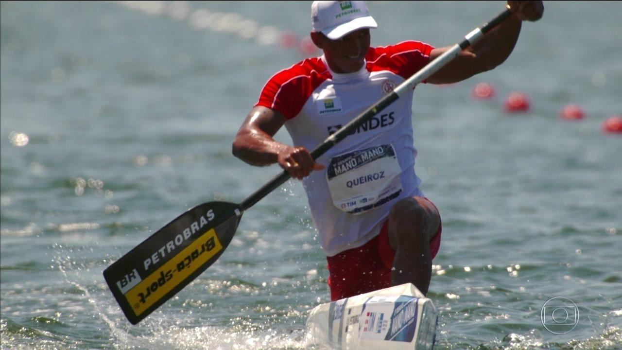 Isaquias Queiroz vence o desafio de canoagem no Rio de Janeiro