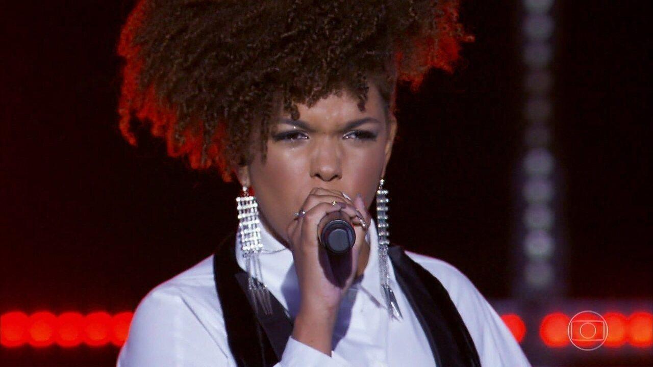 Jeniffer Nascimento canta 'Sorry Not Sorry'