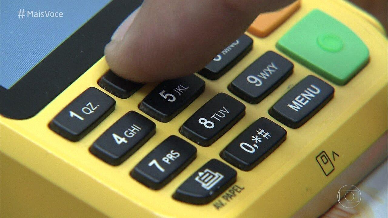 Cartão de crédito deve ser utilizado com sabedoria para não acumular dívidas