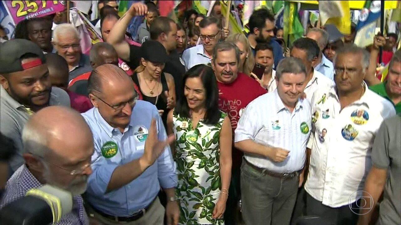 Candidato do PSDB, Geraldo Alckmin, faz campanha em Minas e São Paulo