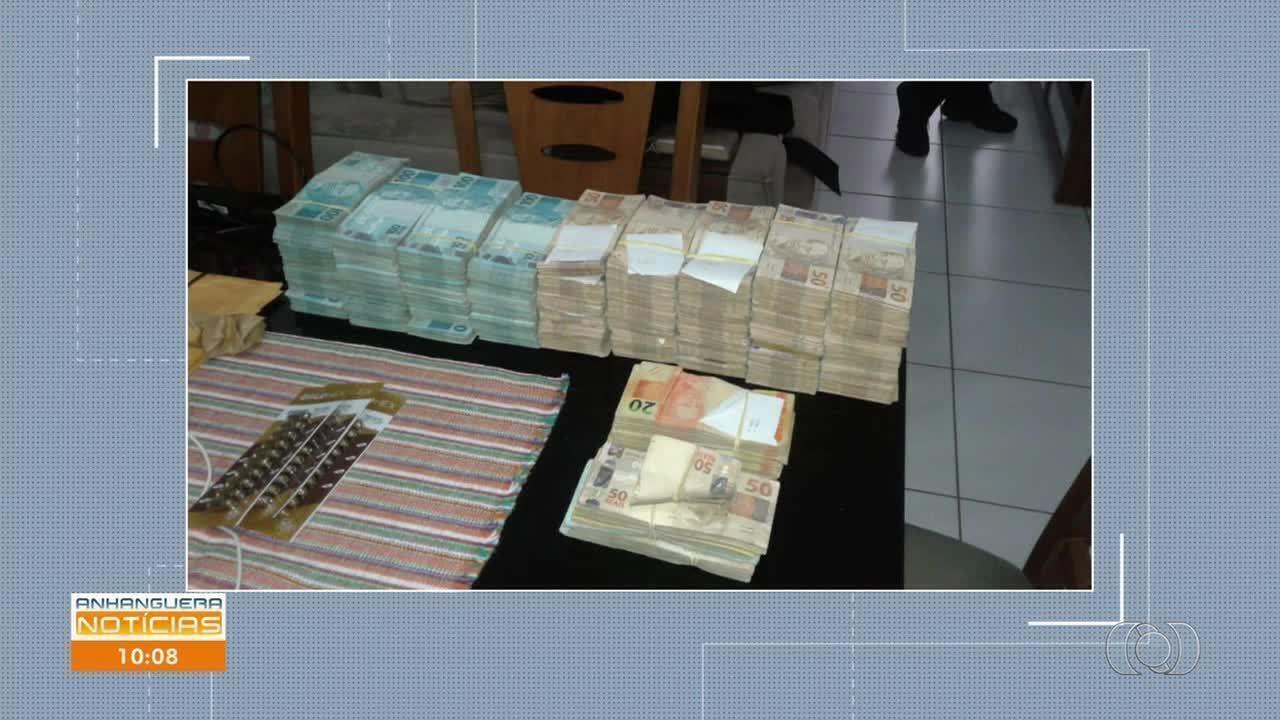 PF apreende dinheiro na casa de motorista de Jayme Rincón durante operação em Goiânia